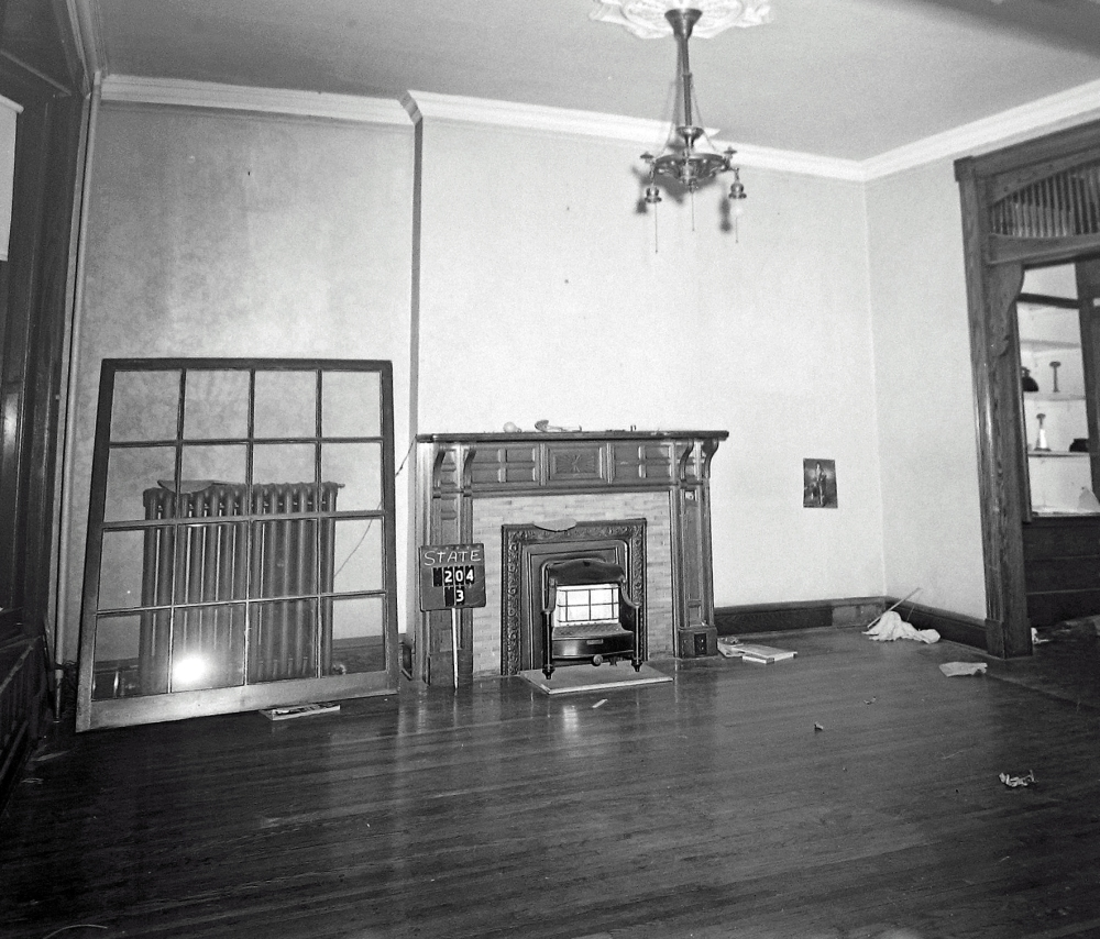 Second floor living quarters, 204 State Street, April 1963. NYSA.