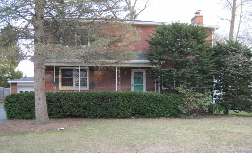 201 Hillcrest Street became the Leonard family's new home.