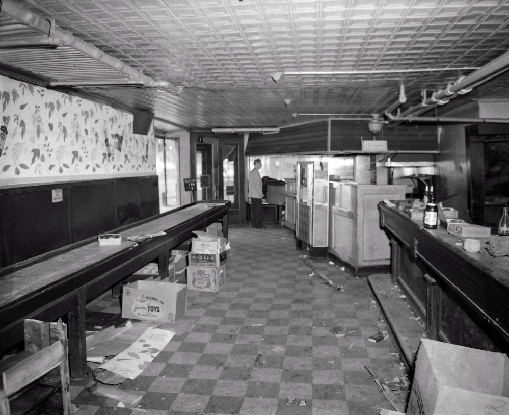Inside 159 Hudson Avenue, August 1963. By that time, Dinty's Tavern had already moved to Lexington Avenue. NYS Archives.