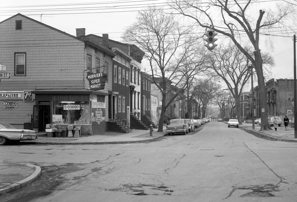 Muraven's Super Market, owned by Samuel Cohen and Simon Samiof. NYS Archives.
