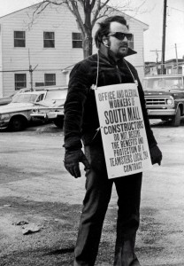 Picket by Teamsters local 294, March 1971. Photograph by Bob Richey. Used by permission of Times Union.