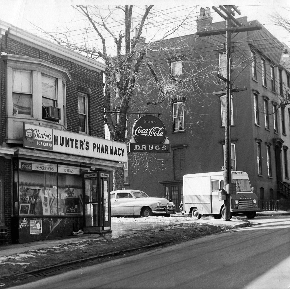 Hunter's Pharmacy, ca. 1950s. Courtesy Mary Jane Hunter Kretzler.